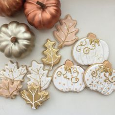 Cousin Cookie by CousinCookies on Etsy Leaf Cookies, Fall Cookies, Iced Cookies, Cute Cookies, Royal Icing Cookies, Cookies Et Biscuits, Biscuits Halloween, Halloween Cookies, Thanksgiving Cookies