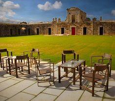 Alójate en un fuerte militar del siglo XVIII http://www.chollovacaciones.com/CHOLLOCNT/ES/chollo-hotel-fuerte-concepcion-aldea-del-obispo.html