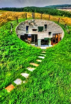 Underground House in Switzerland would like to see the inside Amazing Buildings, Amazing Architecture, Architecture Design, Interesting Buildings, Beautiful Homes, Beautiful Places, Underground Homes, Underground Living, Design Light