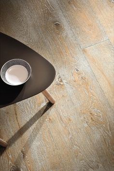 If you like clean lines and bright surfaces, you should take a look at the #parquetfloors in our #whitecolour world. From Longstrip to #OakSandWhite to Plank 1-Strip Larch Puro White, you cannot go wrong with #whiteparquet. That's because the bright colour creates a #contemporary, restrained #elegance, without taking from the structure of the room. #Scandinavianstyle #Scandi #whitefloor #Cosy #shabby #chic #rusticfloor Engineered Timber Flooring, Parquet Flooring, Moodboard Inspiration, Scandinavian Style, Clean Lines, Plank, Cosy, Shabby Chic, Bright