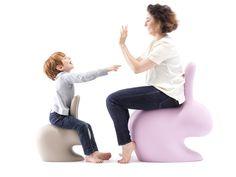 qeeboo-rabbit-chair-designboom-shop-02