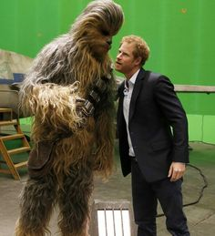 Prince Harry speaks with Chewbacca during a tour of the Star Wars sets at Pinewood studios on April 2016 in Iver Heath, England. Prince William and Prince Harry are touring Pinewood studios to. Get premium, high resolution news photos at Getty Images Prince Harry Of Wales, Prince Harry Photos, Prince William And Harry, Prince Harry And Meghan, Star Wars Set, Star Wars Film, Star Trek, Prince Charles, Prince Henry