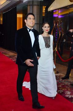 Maja Salvador did not hesitate to draw from her own experience, when asked for advice dealing with a former flame happens to be a workmate. Star Magic Ball, Maja Salvador, Angel Locsin, Passion For Fashion, Charity, Abs, White Dress, Actors, Couples