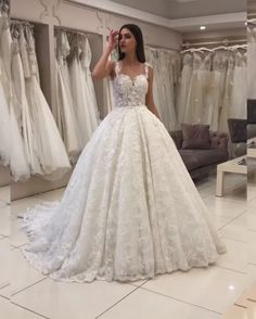 Sweetheart Long Wedding Gowns White Lace Appliques charming white wedding dresses Sweetheart Long We Dresses Elegant, Elegant Wedding Dress, White Wedding Dresses, Bridal Dresses, Wedding White, Lace Wedding, Mermaid Wedding, Dresses Uk, Bridesmaid Dresses