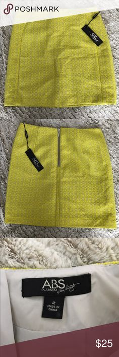 Abs Platinum - yellow mini skirt Never worn adorable spring/summer mini skirt. Perfect for work and then out on a warm summer night! Super cute and in a size 2 ABS Allen Schwartz Skirts Mini