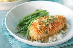 La combinación de texturas y sabores es lo que hace que los platillos sean deliciosos. Esta receta de pollo crujiente en salsa verde es una de las mejores.