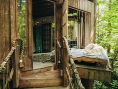Sweet Dreams Are Made of Trees --> http://www.hgtvgardens.com/photos/decorating-photos/the-high-life-a-charming-city-treehouse#?soc=pinterest