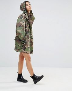 Shop Milk It Vintage Oversized Military Parka Jacket In Camo at ASOS. Camo Fashion, Military Fashion, Military Style, Military Parka, Iranian Women Fashion, Camo Jacket, Cool Outfits, Street Wear, Clothes