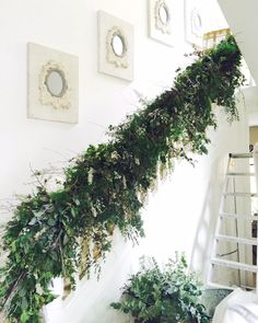 Florist Friday : On Trend - Natural Foliage : Flowerona (Image : Staircase Bannister - Philippa Craddock) Christmas Stairs Decorations, Christmas Greenery, Christmas Flowers, Natural Christmas, Farmhouse Christmas Decor, Christmas Wreaths, Holiday Decor, Christmas Staircase Garland, Christmas Hallway