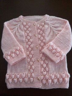 Crochet Baby Cardigan, Baby Cardigan Knitting Pattern, Baby Knitting Patterns, Knit Crochet, Baby Sweaters, Girls Sweaters, Patiala Suit Designs, Knitted Bags, Crochet Fashion