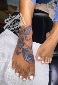 Foot Tattoos Girls, Black Girls With Tattoos, Hip Tattoos Women, Dope Tattoos, Dainty Tattoos, Bff Tattoos, Pretty Tattoos, Dream Tattoos, Badass Tattoos