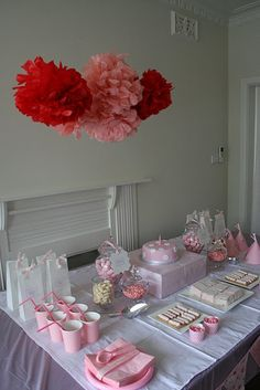 http://creativepartyplace.com/first-birthday/pinkalicious-1st-birthday-party/