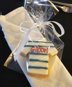 groom-shirt-cookie