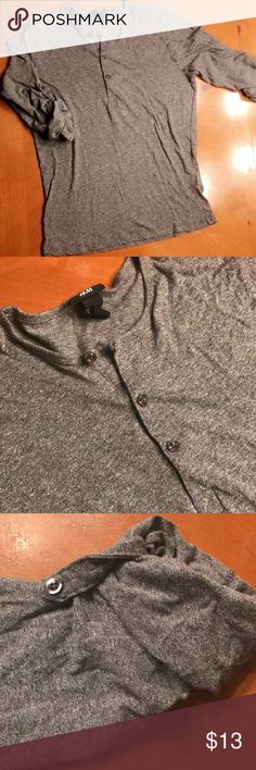 H&M Men's Henley Top H&M Men's Henley Top Size S (Men's). In excellent condition!    It's a Men's S but will fit a Women's S too! You can button the collar up or unbutton them. Also, you can roll up the sleeves or unroll them.   No trades H&M Shirts Tees - Long Sleeve