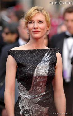 "Cate Blanchett magnifique dans sa robe ""aigle"" Alexander McQueen"