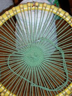 knitting on a loom tutorials / knitting on a loom . knitting on a loom for beginners . knitting on a loom projects . knitting on a loom blankets . knitting on a loom tutorials . knitting on a loom patterns . Round Loom Knitting, Loom Knitting Stitches, Spool Knitting, Knitting Machine, Vintage Knitting, Free Knitting, Easy Knitting Projects, Weaving Projects, Knitting Tutorials