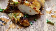 Envie d'une recette exotique et facile à faire ?Alors vous allez adorer ce poulet à la coriandre et au citron !Ce poulet juteux, tendre et mariné est succulent !Cette recet