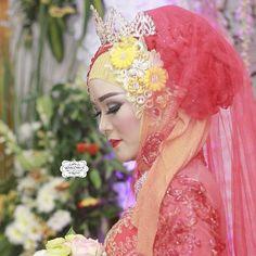 Koleksi terbaru  Wedding dek Anik ❤ mas Jocky  Semoga SAMAWA ya aamiin �� . Untuk tanya-tanya seputar Prewedding & Wedding bisa hub bio ya dear.... Atau fast respon WA 0857 4330 7777 . #muabyme #hijab #weddingmakeup #wedding #weddingmoments #weddingjepara #jeparawedding  #vendormakeupjepara #jepara #jeparamempesona������ #wedding #javawedding #pengantin #makeupartist #muajepara #jeparatoday #jeparahits #makeover #makeup #muajepara #inspirasimakeuppengantin #javawedding #indonesianwedding…