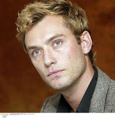 Jude Law ‹ Joe Oliveri Hair Salon's Celebrity Style Gallery
