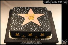 Hollywood Walk Of Fame Fondant Cake This Hollywood Walk Of Fame fondant cake was made for Debi?s birthday Happy Birthday Debi! Movie Star Party, Movie Night Party, Hollywood Birthday Parties, Hollywood Theme, Hollywood Star, 17 Birthday Cake, Happy Birthday, 17th Birthday, Red Carpet Theme Party