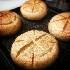 天然酵母のパン、いよいよこれから焼成です