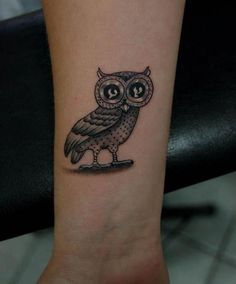 Amaizng Owl Tattoo On Wrist