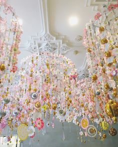 Chandeliers too pretty to swing from✨ cc: