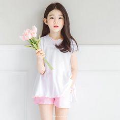 Cute Asian Babies, Korean Babies, Asian Kids, Cute Babies, Little Girl Photos, Cute Little Girls, Cute Baby Girl, Cute Kids, Baby Girl Fashion
