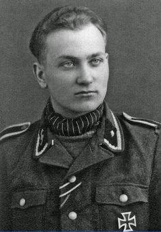 ✠ Harald Nugiseks (22 October 1921 – 2 January 2014) RK 09.04.1944 Waffen-Unterscharführer Zugführer i. d. 1./SS-Frw-Gren.Rgt 46 (estn. Nr. 2)