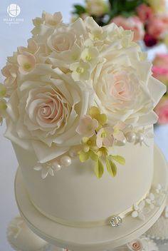 Cupcake Tower - Cake by Hilary Rose Cupcakes Small Wedding Cakes, Elegant Wedding Cakes, Elegant Cakes, Wedding Cupcakes, Unique Cakes, Chic Wedding, Dream Wedding, Wedding Ideas, Cake Icing