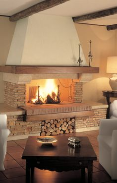 Rustic Fireplace Mantels, Home Fireplace, Fireplace Design, Bungalow Conversion, Home Decor Trends, Home Decor Bedroom, Interior Design Kitchen, Cozy House, Living Room Designs