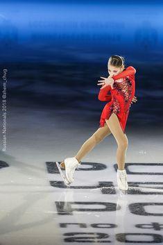 Kim Yuna, Russian Figure Skater, Alina Zagitova, Ice Show, Medvedeva, Ice Skaters, Ice Dance, Ballet, Figure Skating Dresses