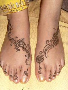 fashion designs: Simple Mehndi Designs For Foot
