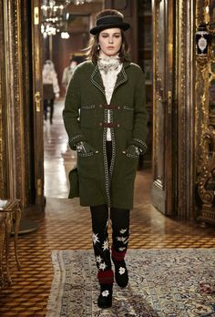 Mis Queridas Fashionistas: Chanel Paris-Salzburg RTW Pre Fall 2015 & Details