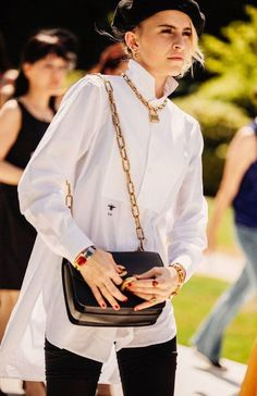 The best in street style from outside the haute couture autumn/winter shows - Vogue Australia Couture Week, Style Haute Couture, Couture Fashion, Street Style Blog, Street Style Trends, Street Chic, Caroline Daur, Streetwear, Day To Night Dresses
