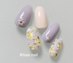 いいね!200件、コメント1件 ― ネイルサロン リアンさん(@nail.rhian)のInstagramアカウント: 「マット♡フラワー…」 Cute Nail Art, Cute Nails, Pretty Nails, Gem Nail Designs, Beautiful Nail Designs, Japan Nail, Lilac Nails, Gem Nails, Manicure Y Pedicure