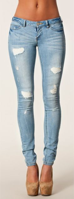 ♡ I LIKE THE JEANS...skinny's are the most important part of my wardrobe.... I'm a casual kind of gal ~ Mindy... HotWomensClothes.com