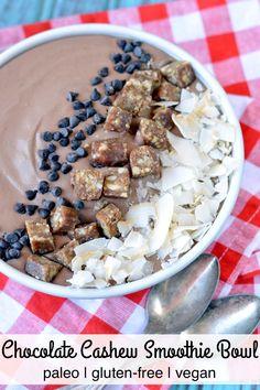 Paleo Chocolate Cashew Smoothie Bowl | Plaid and Paleo