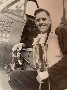 "Clive Caldwell is a great Australian Hero - RIP ""Killer"". Lest We Forget. Vintage Comic Books, Vintage Comics, Air And Space Museum, Lest We Forget, Ww2, Pilot, Hero, Pilots"