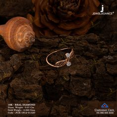 Let the diamond witness your love. Gold Ring Designs, Gold Earrings Designs, Gold Jewellery Design, Gold Jewelry Simple, Gold Rings Jewelry, Gold Finger Rings, Gold Mangalsutra Designs, Bandana, Diamonds