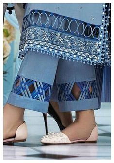 Pakistani Fashion Casual, Pakistani Dresses Casual, Pakistani Dress Design, Indian Fashion Dresses, Pakistani Clothing, Indian Gowns, Indian Wear, Sleeves Designs For Dresses, Dress Neck Designs