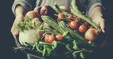 7 Foods That Have Mental Health Benefits, According To Experts When you plan your meals for the week, you might not be taking your mental health into account — but, according to a growing field of research, food can have a positive impact on your mental health.… Mental Health Medications, Mental Health Benefits, Mental Health Support, Brain Health, Gut Brain, Ibs Symptoms, Fodmap Diet, Food Diary, Meals For The Week