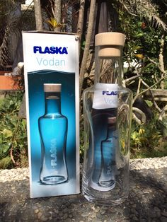 Flaska  ❤️ FLASKA !   Your Portable Water Spring  Water Structuring Glass Bottle  Healthy Mineral Water To Consume In Your Daily Activities ..  a. Two Size Of Bottles  • 0.5L / 500ml  • 0.75L / 750ml  b. One Jug Size ( 1L )  Test & Compare With Your Mineral Water How It Feel & Taste .. Flaska Is Fresh !  Further Info: AndiH M/WA. +6281338084453 E. andhyh@hotmail.com