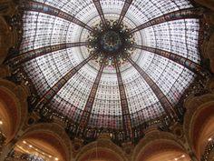 La famosa cúpula de Galerías Lafayette, diseñada por Jacques Gruber