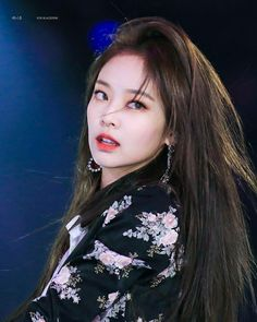Your source of news on YG's biggest girl group, BLACKPINK! Please do not edit or remove the logo of. Kim Jennie, South Korean Girls, Korean Girl Groups, Beste Concealer, Square Two, Oppa Gangnam Style, Black Pink, Blackpink Jisoo, Color Rosa