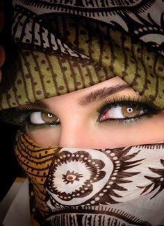 LOLO Moda: Pretty eyes www.woakao.com www.facebook.com/... pinterest.com/...