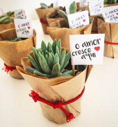 Homemade Wedding Gifts DIY - - Wedding Planning Tips Decor - Boho Wedding Bouquet Red Indian Wedding Favors, Wedding Gifts For Guests, Wedding Favours, Diy Wedding, Party Favors, Wedding Flowers, Indian Weddings, Wedding Plants, Rustic Wedding Gifts