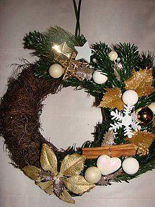Dekorácie - Vianočný veniec na dvere(živá čečina) - 5652317_