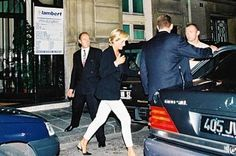 *DIANA:  Princess of Wales walks to the car waiting for her outside of the Ritz hotel in Paris, just a few minutes before the crash that took her life. This is one of the last known pictures of her.    :'(