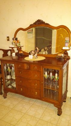 Buffet Antique En Chene Et Table Ronde